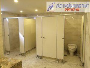 Báo giá và thi công vách ngăn vệ sinh compact cao cấp